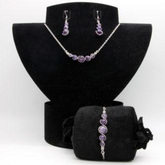 Parure : boucles d'oreilles / bracelet / collier Perles de Améthyste.