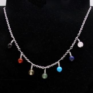 Collier 7 Chakras Chaîne perles pendantes et chaîne.
