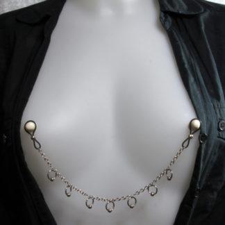 Bijoux pour seins sans piercing, Chaîne anneaux pendants grande maille.