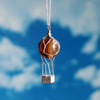 Pendentif montgolfière perle Agate marron fil inox