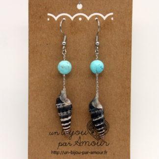 Boucles d'oreilles coquillage Cérithe goumier chaine et perle de turquoise.